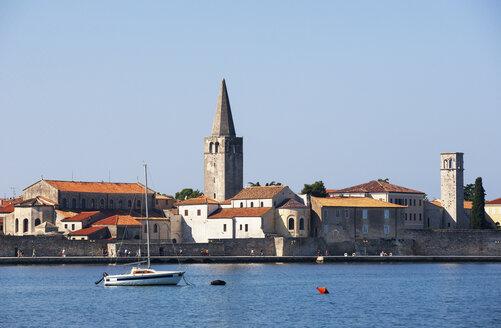 Croatia, Istria, Porec, Old town, Euphrasian Basilica, promenade - WWF04436