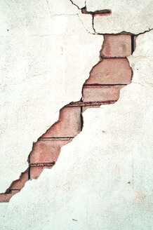 Full frame shot of an old cracked wall - INGF07698
