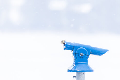 Snow-covered telescope - MMAF00699