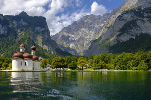 Germany, Bavaria, Upper Bavaria, Berchtesgaden National Park, Watzmann East Face, View of St. Bartholomae church at lake Koenigssee - LBF02240