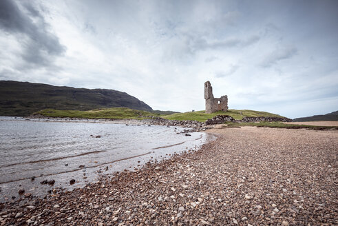 United Kingdom, Scotland, Sutherland, Ardvreck Castle at Loch Assynt - ELF01948