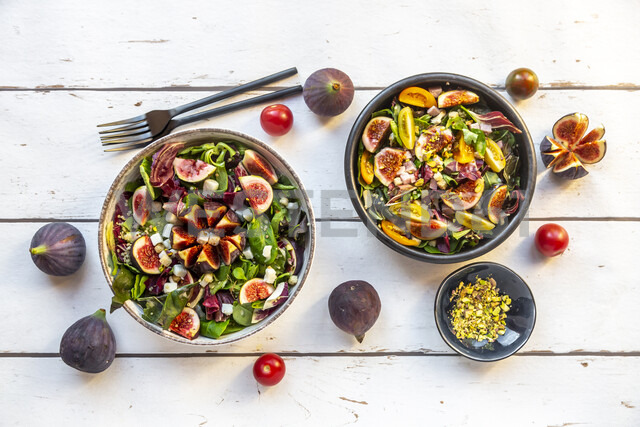 Mixed salad with fig, tomato, ham, cheese, pistachio - SARF03976