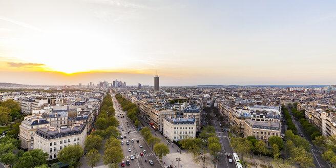 France, Paris, cityscape with Place Charles-de-Gaulle, Avenue de la Grande Armee and La Defense - WDF04883