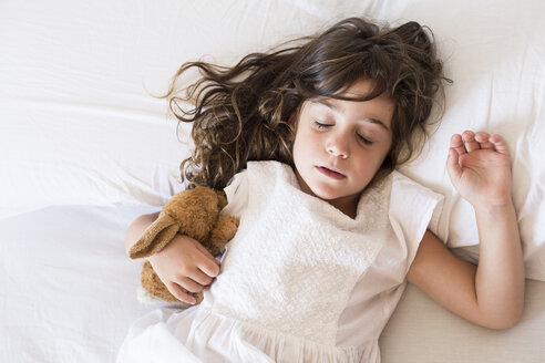 Little girl sleeping in bed - ERRF00076