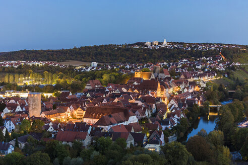Germany, Baden-Wuerttemberg, Besigheim, Old town and Enz river in the evening - WDF04915