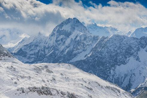 Germany, Bavaria, Allgaeu, Allgaeu Alps, View from Zeigersattel to Hoefats in winter - WGF01279