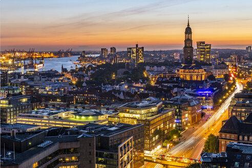 Germany, Hamburg, Hamburg Harbour and St. Michaelis Church - KEBF00995