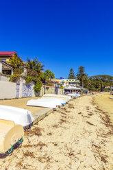 Australia, New South Wales, Sydney, Watson Bay, beach with boats - THAF02383