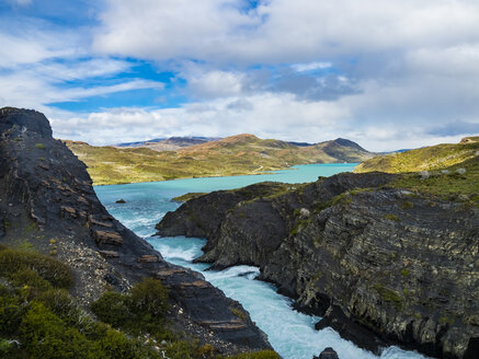 South America, Chile, Patagonia, View to Rio Paine, Torres del Paine National Park - AMF06298