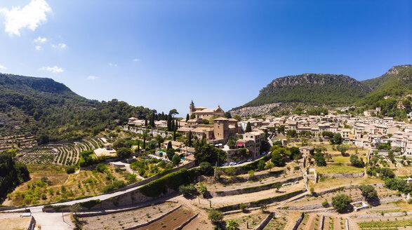 Spain, Baleares, Mallorca, Valldemossa, Parish Church Sant Baromeu and Cartuja de Valldemosa - AMF06307