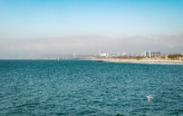 USA, California, Los Angeles, Venice beach with Malibu in the background - SEEF00046