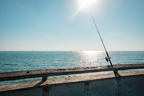 USA, California, Los Angeles, Fishing rod on the pier of Venice - SEEF00049