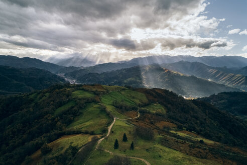 Spain, Asturias, Mountain landscape in autumn, sun light - MGOF03840