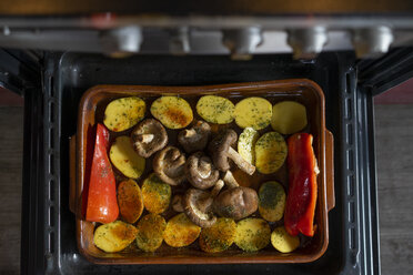 Mixed vegetables to be baked in the oven - AFVF02060
