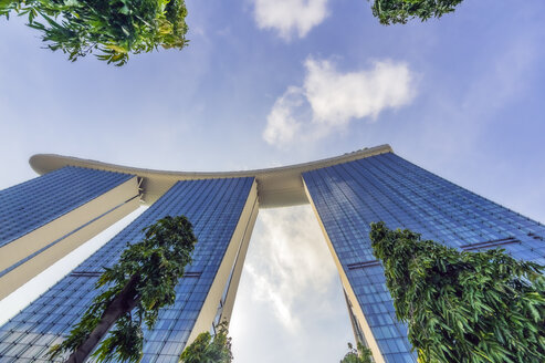 Singapore, Marina Bay Sands Hotel, low angle view - THA02393