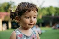 Portrait of brunette girl thinking - GEMF02635