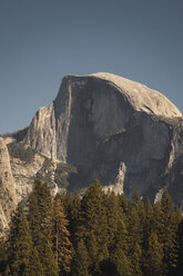 USA, California, Yosemite National Park, El Capitan - KKAF03055