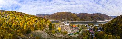Germany, Rhineland-Palatinate, Trechtingshausen, View of Reichenstein Castle in autumn - AM06356