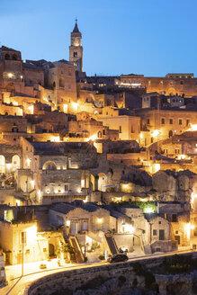 Italy, Basilicata, Matera, Townscape and historical cave dwelling, Sassi di Matera at blue hour - WPEF01181