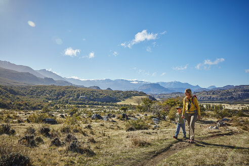 Chile, Cerro Castillo, mother with son on a hiking trip - SSCF00230