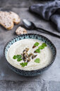 Creme of mushroom soup with cocosnut milk, parsley and baguette - SARF04012