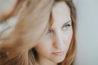 Close-up portrait of a beautiful young woman - INGF09371
