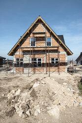 Bulgaria, Plovdiv, one-family house under construction - DEGF00960