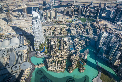 UAE, Dubai, The Dubai Fountain from above - RUNF00361