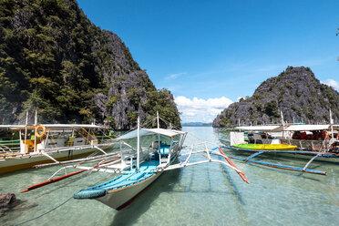 Philippines, Palawan, Coron, Banca boats - DAWF00762
