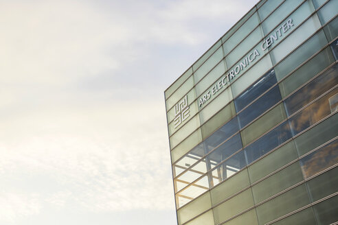 Austria, Linz, part of facade of Ars Electronica Center - JUN01637