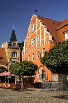 Germany, Saxony, Pulsnitz, Market Square, old townhall - BTF00504