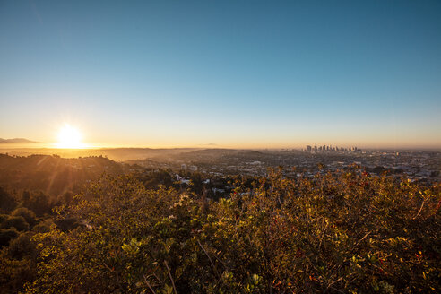 USA, California, Los Angeles, sunrise at Griffith Observatory - DAWF00832