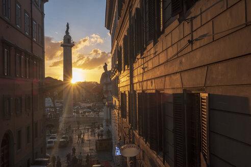 Italy, Rome, Trajan's Column and Monumento a Vittorio Emanuele II - HAMF00544