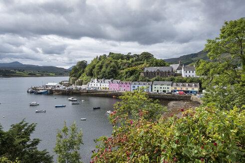 United Kingdom, Scotland, Isle of Skye, Portree, Harbour - ELF01997