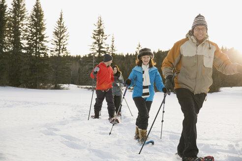 Multi-generation family snowshoeing - HEROF00871
