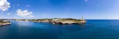 Spain, Baleares, Mallorca, Portocolom, Punta de ses Crestes, Bay of Portocolom and Cala Parbacana, Lighthouse - AMF06502