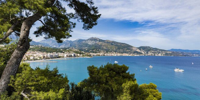 France, Provence-Alpes-Cote d'Azur, Panoramic view of Menton - WDF04985