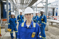 Portrait of workers at gas plant - HEROF02323