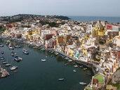 Italiy, Campania, Gulf of Naples, Procida, district Corricella, harbour - WWF04596