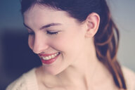 A smiling young woman - INGF11869