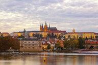 Czechia, Prague, Charles Bridge, Vltava RIver and Prague Castel in the evening - JUNF01657