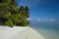 Maledives, Ari Atoll, Nalaguraidhoo, Sun Island, beach and vegetation - RUNF00722