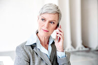 Portrait of mature businesswoman on the phone - VWF00030