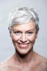 Porträt Foto ältere Frau, Femal Model, Best Ager Model - VWF00048
