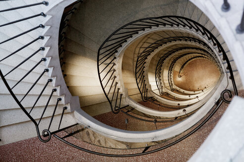 Directly above shot of spiral staircase - ASTF00810