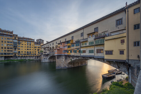 Italy, Tuscany, Florence, Ponte Vecchio - RPSF00273