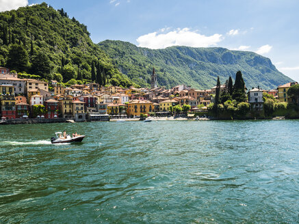 Italy, Lombardy, Varenna, Lake Como, motorboat - AM06615