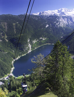 Austria, Salzkammergut, Gosau, cable car - WWF04622