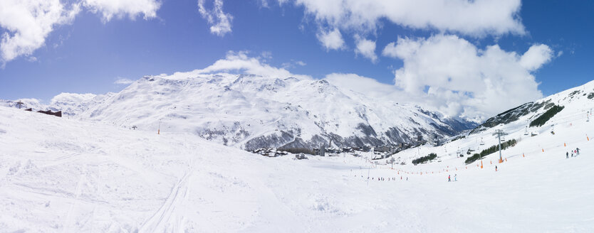 France, French Alps, Les Menuires, Trois Vallees, panoramic view of ski area - SKAF00127