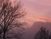 Austria, Salzkammergut, Mondsee, Drachenwand, autumn morning - WWF04684